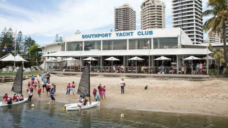 hospitality-training-courses-at-southport-yacht-club-gold-coast