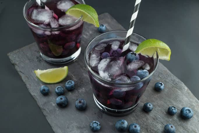 10-cocktail-recipes-blueberry-lime-lavender-smash